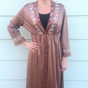Vintage Robe Light Brown with Floral Embroidery